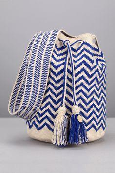 Tapestry Crochet, Knit Crochet, Crochet Accessories, Bag Accessories, Crotchet Bags, Mochila Crochet, Chevrons, Crafts To Do, Stripe Print