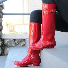 Super fun rain boots in a bunch of different colors! Blowout sale!!!