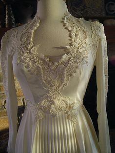 Wedding dress 1970s vintage polu lace by RetroVintageWeddings, $435.00