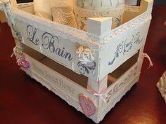 yobanka manualidades: dos cajas de fresas recicladas, estilo vintage...muy coquetas