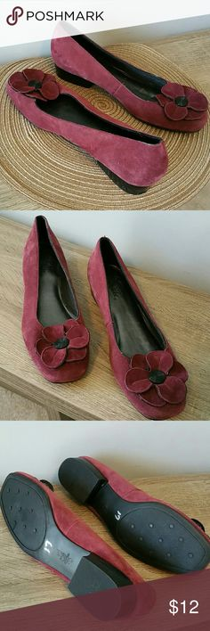 LIFE STRIDE rasberry suede flats/loafers Only worn once indoors.  They look new - no scuffs - just minor signs of wear.  Comfortable square-toed front with flower petals outlined in black shiny leather-like trim, and black button in the center. Very comfortable 1-inch heel. Size 10M. Leather with man-made upper. Life Stride Shoes Flats & Loafers