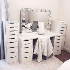 "More information about ""bedroom ideas"" can be found on our website. It is an extraordinary . - Home - Beauty Room Bedroom Makeup Vanity, Makeup Room Decor, Vanity Room, Ikea Vanity, Makeup Vanities, Vanity Decor, Makeup Rooms, Bathroom Vanities, Rangement Makeup"