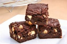These are Brandon's favorite brownies! Brownie Sem Gluten, Chocolate Sin Gluten, Chocolate Brownies, Brownie Mix Desserts, Brownie Recipes, Fun Desserts, How To Make Brownies, Caramel Pecan, Cooking Recipes