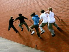 Freerunning (variation of parkour) Still great fun, but not as dangerous. Try to join a parkour or free running class first to get the training Parkour Moves, Online Mood Board, September Themes, Field Day, Light My Fire, Poses For Men, Cd Cover, Kids Sports, Get In Shape