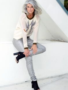 Silver Hair Model Claudia Maria is wearing silver pants and a white/silver top Long Gray Hair, Silver Grey Hair, White Hair, 60 Fashion, Fashion Over 50, Fashion Fall, Womens Fashion, Silver Haired Beauties, Going Gray Gracefully