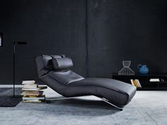 Control is the ultimate reclining chair. Here you can control your sitting and lying position down to the smallest detail. Control is made up of four independent sections which give the chair an unusually flexible anatomy. Buy Chair, Sofa Chair, Danish Furniture, Furniture Design, Neck Roll Pillow, Scandinavia Design, Living Room Inspiration, Danish Design, Comfort Zone