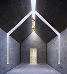John Pawson's House of Stone installation, centrally located in the colonnade of the Università degli Studi di Milano's Cortile Settecento in 2010, stood as a simple structure planned with meticulous accuracy to deliver a different experience every time. Pawson made linear incisions through the ridge and mid-section to open up the house to the constantly changing play of sunlight, with blades of natural light shining through to illuminate the interior. At night, low energy LEDs installed in…