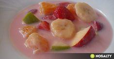 A nyári forróságban nincs jobb egy hűsítően hideg gyümölcsös levesnél. Legyen alma, meggy, eper vagy sárgabarack, friss alapanyagokból lehet a legfinomabbat főzni! Soup For The Soul, Hungarian Recipes, Hungarian Food, Fruit Salad, Soup Recipes, Curry, Food And Drink, Drinks, Cooking