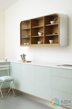 4 Good-Looking Cool Ideas: Traditional Minimalist Home Chairs minimalist kitchen cabinets storage.Zen Minimalist Home Bathtubs minimalist decor wood work spaces. Scandinavian Kitchen, Scandinavian Style, Wall Cupboards, Wood Cabinets, Kitchen Shelves, Green Cabinets, Open Shelves, Base Cabinets, Minimalist Home