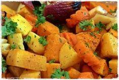 HUNAJAISET UUNIJUUREKSET Sweet Potato, Potato Salad, Food And Drink, Potatoes, Dinner, Baking, Vegetables, Ethnic Recipes, Koti
