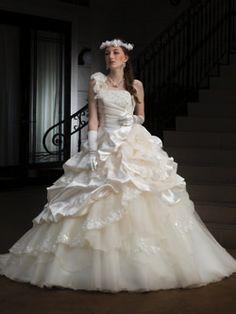 ウエディングドレス - ヒラトヤブライダルファッション:::岩手県盛岡市のブライダルファッション・ウエディングドレス・結婚式衣装 Cute Wedding Dress, One Shoulder Wedding Dress, Wedding Dresses, W Dresses, Formal Dresses, Ball Gowns, Victorian, Fashion, Bride Dresses