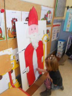 DSCN7433 Saint Nicholas, Dinosaur Stuffed Animal, Saints, Preschool, Kids Rugs, Stage, Toys, Mardi, Madame
