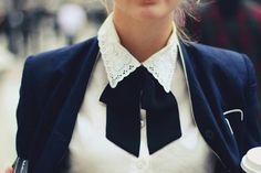 lady bow tie Sie inetessieren sich für den einzigartigen Gentleman Look? Schauen Sie im Blog vorbei www.thegentlemanclub.de