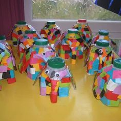 elmer the elephant milk bottle art Kids Crafts, Toddler Crafts, Book Crafts, Arts And Crafts, Kindergarten Art, Preschool Crafts, Elmer The Elephants, Art Projects, Projects To Try