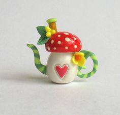 mushroom teapot!