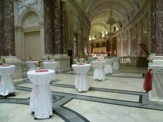 Catering in der Hofburg Catering, Table Decorations, Furniture, Home Decor, Homemade Home Decor, Catering Business, Home Furnishings, Decoration Home, Food Court