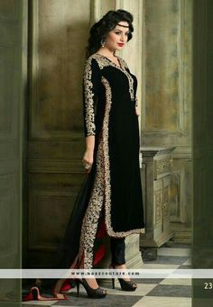 Mesmerize your onlookers in this black color embroidered velvet pant style suit. The desirable resham and stones work across the dress is awe-inspiring. Fashion Pants, Hijab Fashion, Fashion Dresses, Peplum Dresses, Fashion Hair, Designer Salwar Suits, Designer Dresses, Trends 2016, Outfits Damen