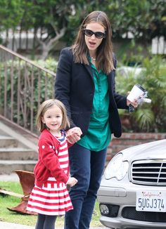 How cute is Seraphina Affleck getting? More pics of her day w/ Jennifer Garner here!