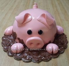 Coolest Pig Cake ... This website is the Pinterest of birthday cakes
