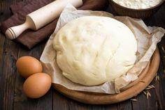 Тесто на кефире – что может быть лучше! Спросите у любой хозяйки, и она ответит вам, что любая домашняя выпечка из теста на кефире всегда получается пышной и вкусной. Советы как приготовить тесто на кефире. Кулинарные рецепты теста на кефире. Тесто на кефире для пирожков, пиццы, вареников и других блюд.