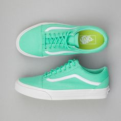 Roo's Beach | Vans Old Skool Trainers |  Biscay Green / True White