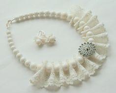 Diy Fabric Jewellery, Ribbon Jewelry, Lace Jewelry, Textile Jewelry, Bead Jewellery, Jewelry Crafts, Jewelery, Handmade Jewelry, Fabric Necklace
