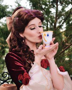 Christmas Belle Makeup and hair look Disney Belle, Disney Nerd, Disney Girls, Disney Pixar, Walt Disney, Disney Travel, Disneyland Princess, Disney Princess Dresses, Disney Princesses