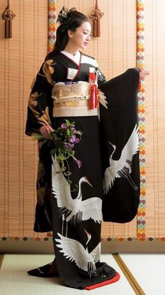 Black furisode kimono with white cranesYou can find Japanese kimono and more on our website.Black furisode kimono with white cranes Traditioneller Kimono, Furisode Kimono, Kimono Japan, Kimono Style, Traditional Kimono, Traditional Dresses, Traditional Fashion, Japanese Beauty, Japanese Girl