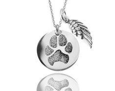 Tatsächliche Paw print personalisierte Anhänger Halskette mit Engel Flügel Charme in solid Sterling Silber verschiedene Durchmesser Hund oder Katze Denkmal Schmuck