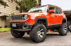 Had to put quad compound turbos to turn those puppies, oh wait it's a Renegade, those are probably 185 65 R14's