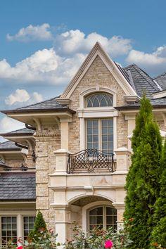 Glen Gery Avignon Handmade Brick With Beautiful Brick Dework All Throughout This New York Home