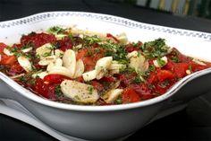 Pečené papriky s česnekem Ratatouille, Pesto, Ethnic Recipes, Food, Detail, Christmas, Mascarpone, Xmas, Eten