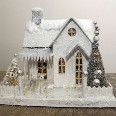 (Putz means decorated, or clean in German. Christmas Village Houses, Christmas Gingerbread House, Christmas Town, Putz Houses, Miniature Christmas, Christmas Villages, Christmas Crafts, Christmas Decorations, Christmas Ornaments