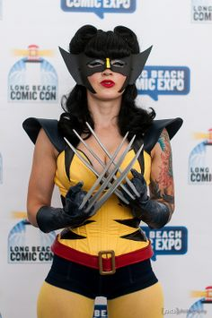 Wolverine crossplay (not the same thing as an cosplay) Cosplay Gatúbela, Cosplay Outfits, Halloween Cosplay, Best Cosplay, Cosplay Girls, Cosplay Costumes, Anime Cosplay, Wolverine Costume, Super Heroine