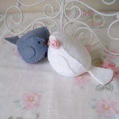 Felt wedding cake topper birds by Blossomhillcottons, via Flickr