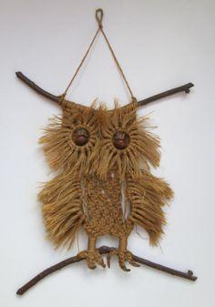 Vintage Macramé Owl Wall hanging 13 High Owl от LookInTheAttic, £9.95