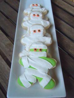 Use Gingerbread Man Cutter for Mummies Repinned by: #TheCookieCutterCompany  www.cookiecuttercompany.com