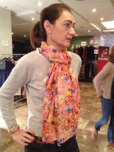 Un fular de seda julunggul siempre queda bien!!!! www.julunggul.com