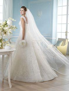 Vestido de novia, modelo Hansal de St. Patrick 2014  www.sanpatrickgranada.es