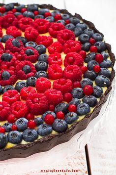 maniapieczenia: Szybka tarta z owocami lata - bez pieczenia Oreo, Raspberry, Fruit, Food, Recipes, Easy Recipes, Cook, Essen, Recipies