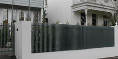 Slat fencing is perfect for screening purposes and can be constructed using a variety of durable materials, including locally sourced timbers and steel. Hamptons Style Homes, The Hamptons, Fence Screening, Black And White Interior, Front Fence, Batten, Tropical Garden, Garden Design, Backyard