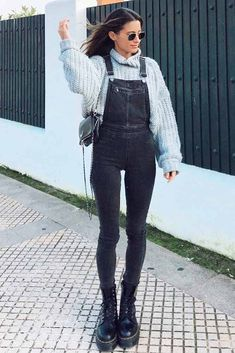 Baggy Clothes ★ fashion outfits inspiration for latest trends. See what is considered the latest fashion now. Tumblr Outfits, Mode Outfits, Stylish Outfits, Fashion Outfits, Fashion Now, Daily Fashion, Winter Fashion, Baggy Clothes, Minimal Outfit