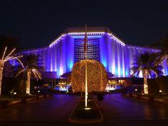 FLUX LIGHTING. Produits utilisés : X-LINE NANO, X-LINE MINI, X-LINE³ et projecteurs LED. HOTEL RITZ CARLTON, Bahrain. Projet : Mise en lumière Hôtel Ritz Carlton Bahrain Concepteur Lumière : TG Lighting. Installateur : Al Baït.