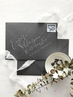Dark grey envelopes with metallic address lettering for modern stylish scandinavian style wedding invitations Calligraphy Envelope, Modern Calligraphy, Invites, Wedding Invitations, Scandinavian Style, Metallica, Envelopes, Dark Grey, Charcoal