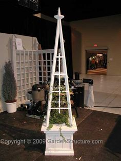 Build a Garden Obelisk with Free Obelisk Plans