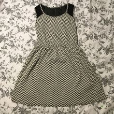 Chevron Dress This is an adorable chevron dress. Originally purchased from JC Penny. Never worn! Dresses Midi
