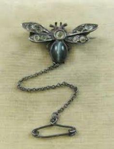 Bee broach