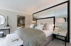 chambre-taupe-tête-lit-capitonné-cuir-blanc-mur-miroir
