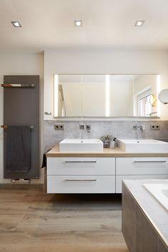 There will be light modern bathrooms by banovo gmbh modern- Es werde licht moderne badezimmer von banovo gmbh modern Here are some photos of interior design ideas. Contemporary Bathrooms, Modern Bathroom Design, Bathroom Interior Design, Bathroom Designs, Contemporary Houses, Bathroom Renovations, Home Renovation, Bathroom Ideas, Light Bathroom