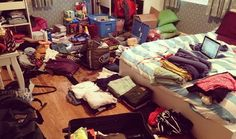 The Ultimate College Timeline: 2 – 4 Weeks College Dorm Checklist, College Packing, College Essentials, College Hacks, College Life, College Survival, Digital Textbooks, University Dorms, Packing Hacks